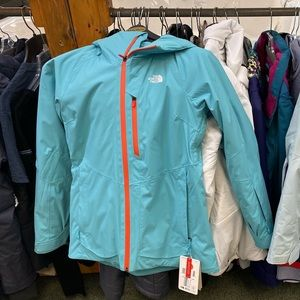 North Face Women's jacket.   Brand new.